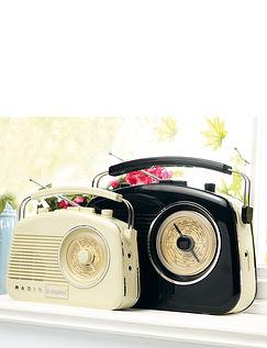 Compact Retro Radio