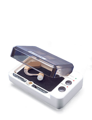 2-In-1 Hearing Aid Dehumidifier And Battery
