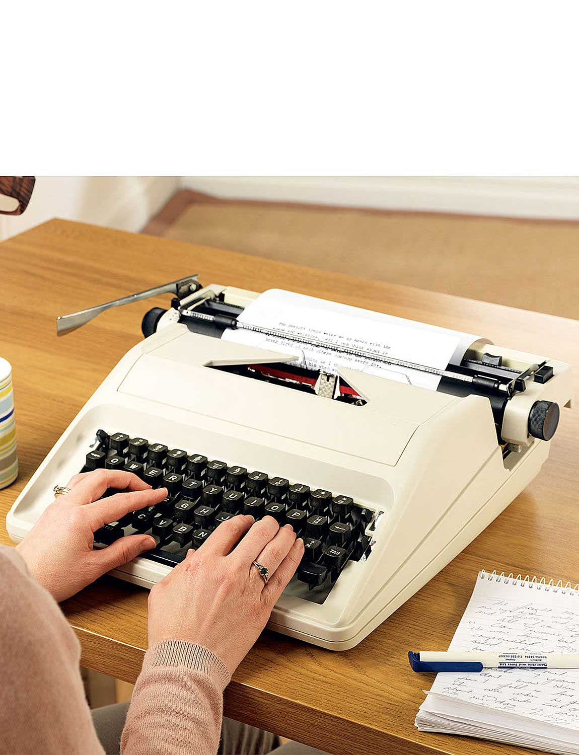 11 Inch Portable Typewriter - Cream