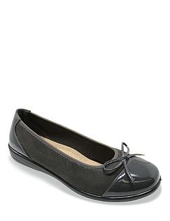Ladies Patent and Bow Trim Ballerina Shoe