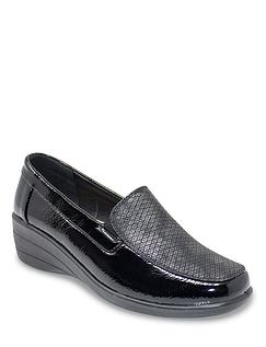 Ladies Patent Shoe