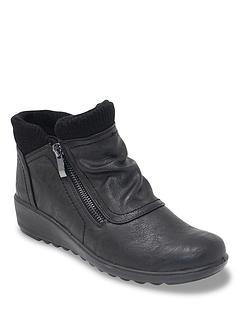 Ladies Cushion Walk Knit Collar Boot