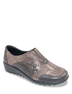 Ladies CushionWalk E Fitting Applique Shoe