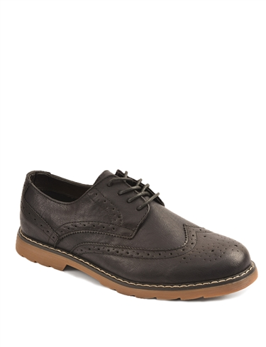 Lace-Up Brogue Shoe With Distinctive Finishing