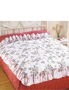 Rose Garden Eiderdown Style Quilt