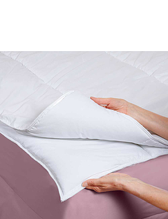 FOUR SEASONS SOFT-TOUCH DUVET SET BY DOWNLAND