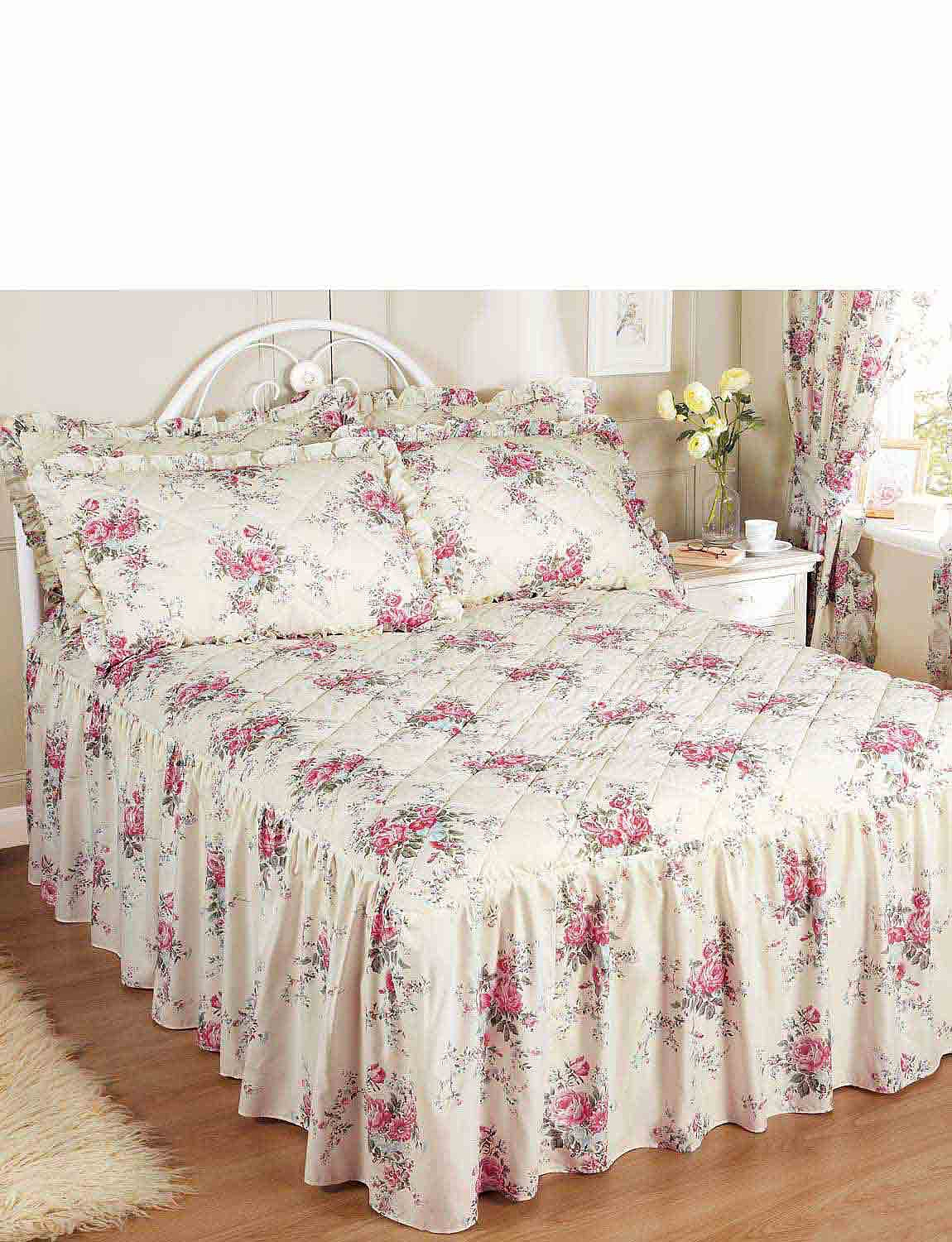 Quilted Bedspread  - Rose