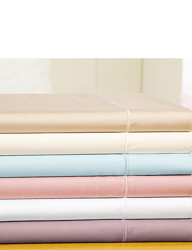 400 Thread-Count Egyptian Cotton Sateen Flat Sheet by Belledorm