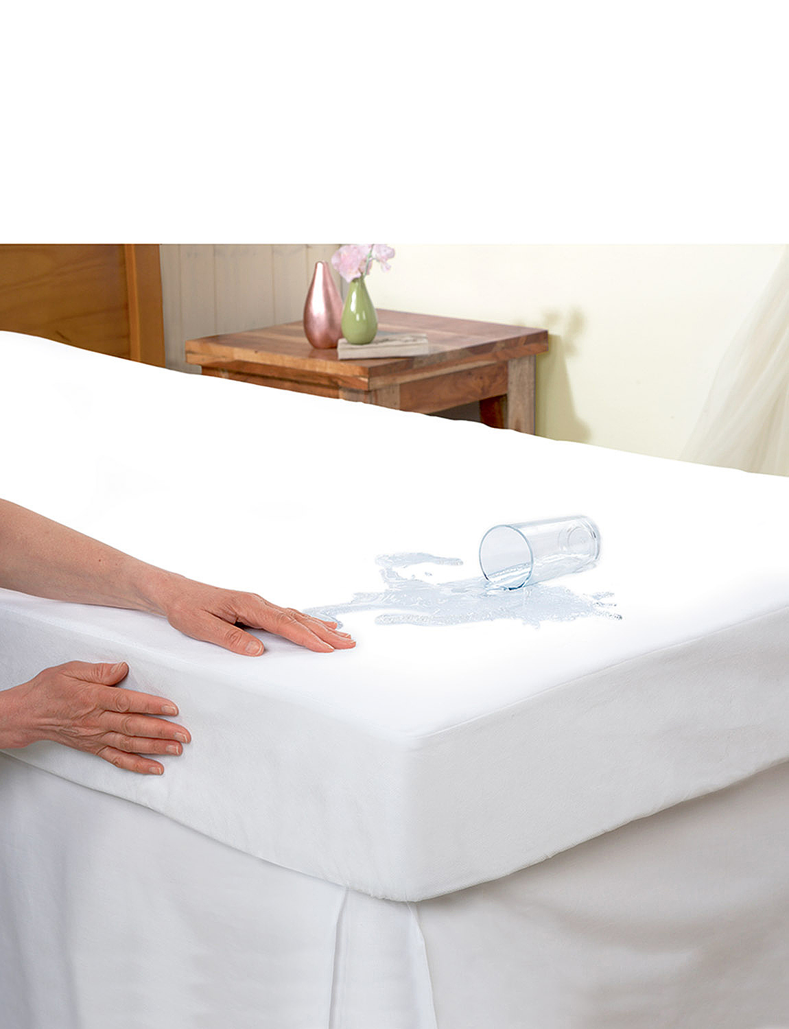 15 Inch Skirt Luxury Waterproof Flannelette Matress Protector - White