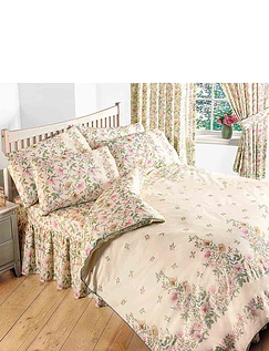 Cottage Garden Pillowcases by Vantona